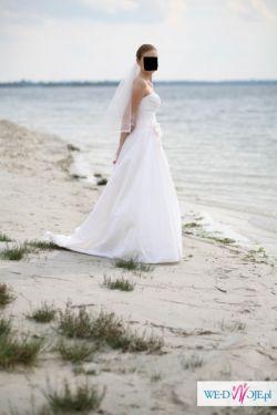 Sprzedam suknie slubna Demetrios 3150 r. 38 kolekcja 2010 ivory + gratisy