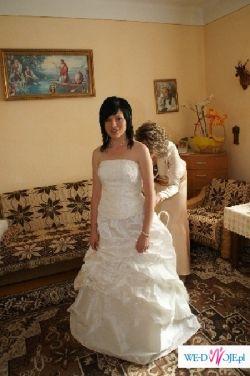 sprzedam suknię slubną firmy Agnes w kolorze ecru r. 36/38