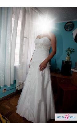 sprzedam suknię ślubną firmy sposabella kolekcja 2010 roz.38-40 swarovski