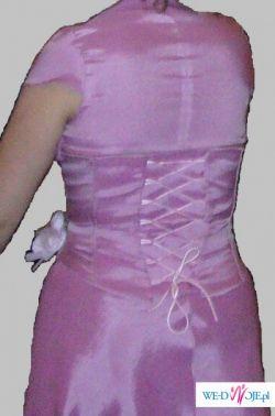 sprzedam tanio  efektowną  suknię firmy Perle