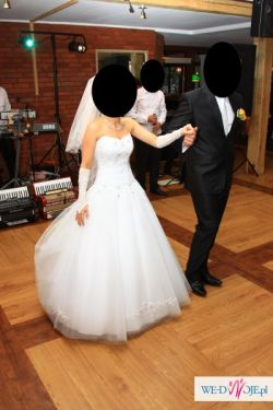 sprzedam tiulową suknię w rozmiarze 36 +gratis bolerko z lisa