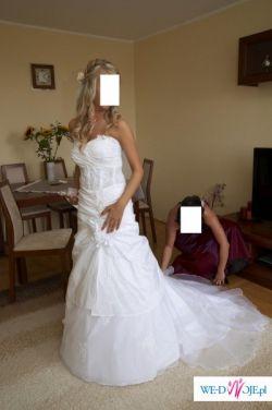 Sprzedm prześliczną białą suknię ślubną z salonu Marietta
