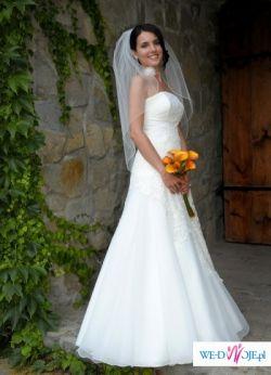 Subtelna i prosta suknia ślubna firmy MS MODA