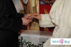 subtelna, puszysta, w idealnym stanie kurteczka ecru do sukni ślubnej