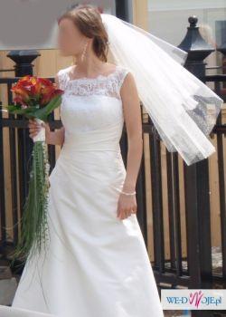Subtelna suknia ślubna z agatu z koronką Amanda
