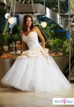 Suknia 1300 zł