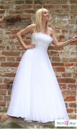 suknia agora model 2008r.biała, plisowana z kryształkami svarowskiego