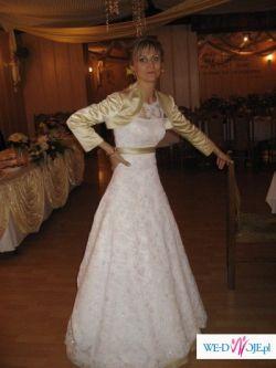 Suknia cała z koronki