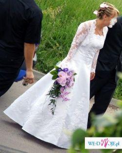 suknia klasyczne A, wyszczupla, koronkowa, ręcznie zdobiona, z bolerkiem i kolią