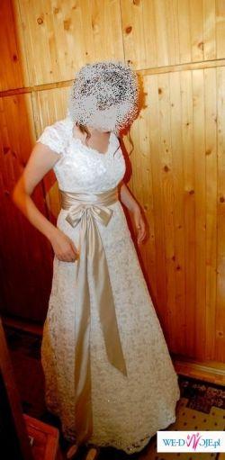 suknia koronkowa Sposabella salon Adeline