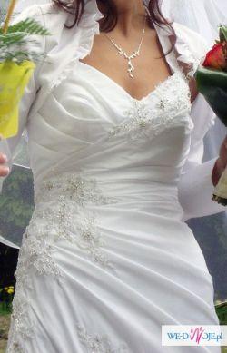 Suknia niezwykle kobieca