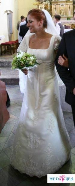 Suknia ślubna Annais Kristi 2009  roz. 38/40 +welon.