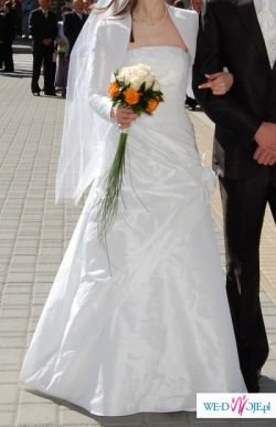 "Suknia ślubna"" BARI"""