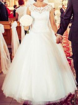 Suknia ślubna biała z koronką
