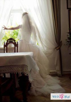 suknia ślubna demetrios 520