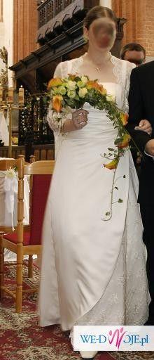 Suknia ślubna dla większej...