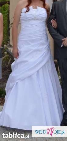 Suknia ślubna dla wysokiej