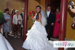 Suknia ślubna Emmi Mariage Amanda 2010 + koła z halką + welon