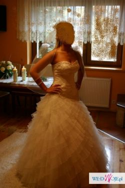 Suknia ślubna Emmi Mariage - Megan Kolekcja 2010