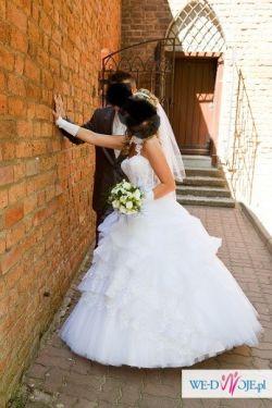 Suknia slubna Emmi Mariage Model Diamante rozm.36