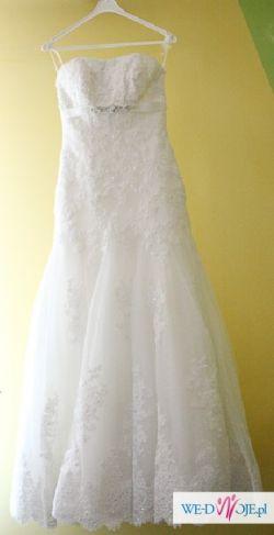 Suknia ślubna Famosa z hiszpańskiej koronki (Madonna)