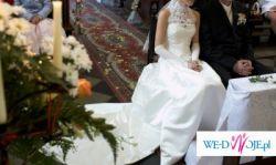 Suknia ślubna firmy MADONNA + welon