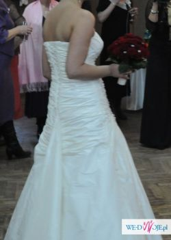 Suknia Ślubna KAREEN 220 kolekcja 2010