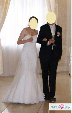 Suknia ślubna koronkowa z długim trenem + długi welon i toczek