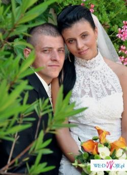 Suknia ślubna koronkowa zdobiona kryształkami Swarovskiego !