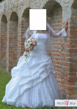 Suknia ślubna, koronkowe bolerko, welon