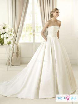 Suknia ślubna marki Pronovias, model Dalamo