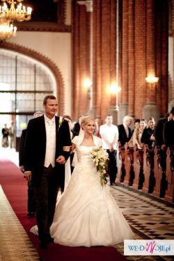 Suknia ślubna model Amsterdam firmy Blue.