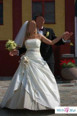 suknia ślubna model Draperia