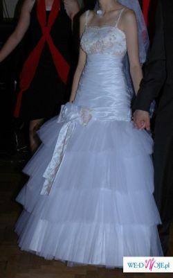 suknia ślubna na drobną osobę