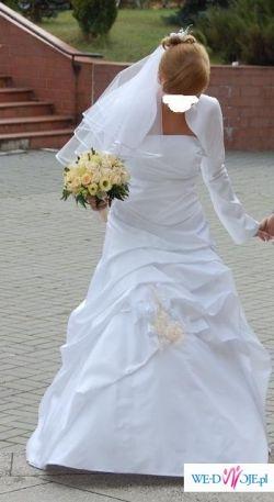 suknia ślubna plus dodatki