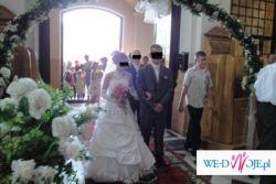 suknia ślubna polecam !!!