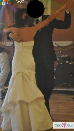 Suknia ślubna Pronovias FERMA (kolekcja 2011)