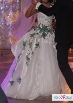 Suknia ślubna szyta na właśnym pomyśle