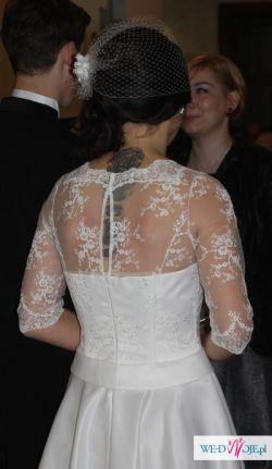 Suknia ślubna szyta na zamówienie + pelerynka