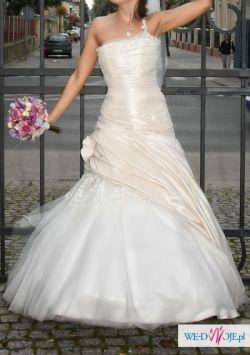 suknia ślubna w kolorze cappucino