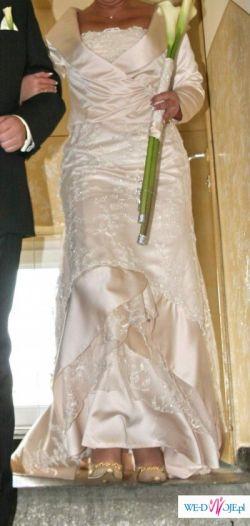 Suknia ślubna wg projektu Hannibal Laguna