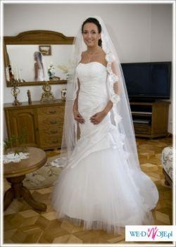 Suknia ślubna WHITE ONE 419 + DWA WELONY