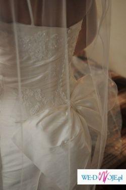 Suknia ślubna White One model 164.Piękna kokarda + dodatki.