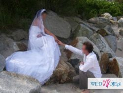 Suknia ślubna wraz z dwoma welonami