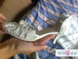 Suknia ślubna z 2011r biała z tafty inteligentnej