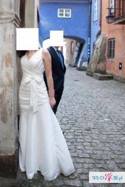 Suknia ślubna z angielskiej kolekcji Venus Bridal 36/38