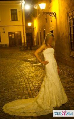 Suknia ślubna z hiszpańskiej koronki r.36
