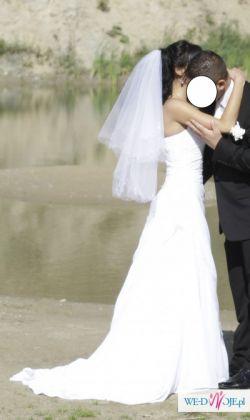 Suknia ślubna z kolekcji Charlotte Verise