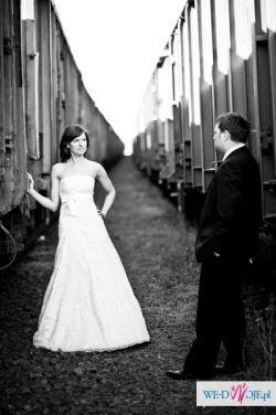 Suknia ślubna z koronki w kolorze ecru