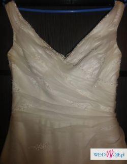 suknia slubna z krysztalkami swarovskiego